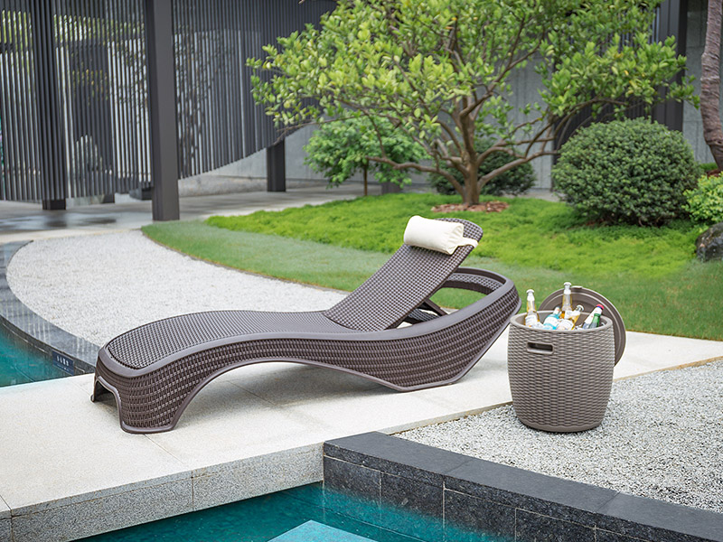 outdoor sun lounger